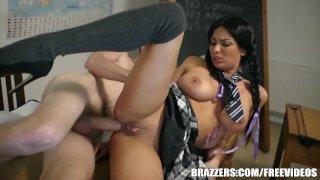 Brazzers - Юная школьница делает все правильно