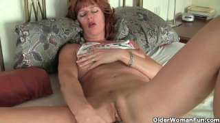 British mature mums having solo sex