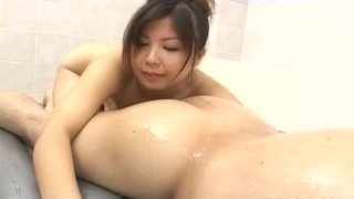 Asian wife fucks in the tub