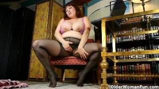 Black nylons and online porn get mom horny