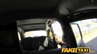 FakeTaxi New cab driver gives a good facial