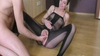Extreme amateur fisted till she squirts