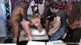 Brooke Wylde в клубной групповухе