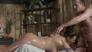 Massage Rooms Sexy Russian Milf cums hard