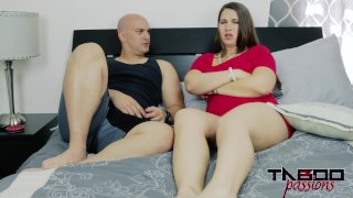 Madisin Lee in Mom's Smelly Pussy
