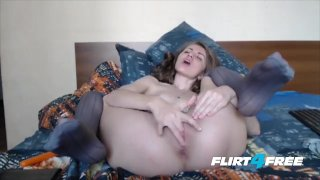 Sexy Babe Stuffs Both Holes