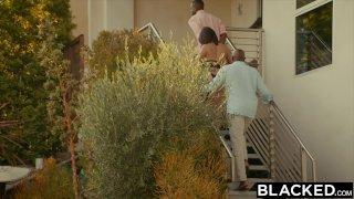 BLACKED - Жёнушка Пета Дженсен изменяет мужу с двумя парнями
