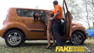 Fake Driving School - Учитель вождения накачал спермой молодую нервную негритянку