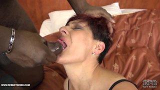Хардкор со старушками межрассовое секс порно со старыми женщинами любящими черные члены