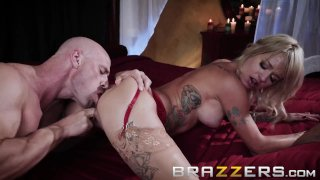 Brazzers - Sammie Six has a thing for firemen