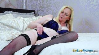 EuropeManturE Hot Mature Lady Suzie Solo Play