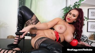 Plump Rump Hottie Nina Kayy Abuses All Her Small Dick Fans!