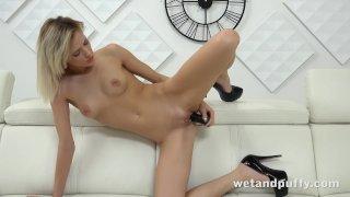 Teen hottie orgasms with a black dildo!