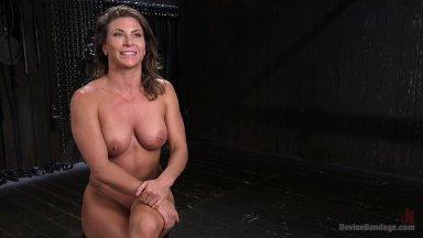 Bondage squirt porn