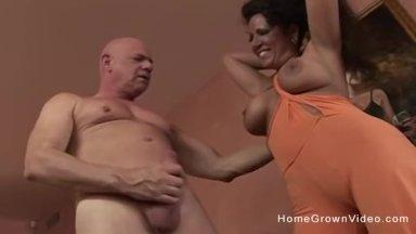 Latin mature amateur porn pics