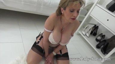 Lady Sonia porno anal