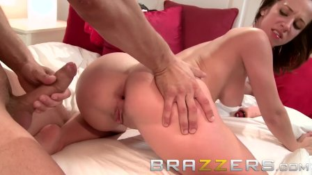 Teens like it BIG - Jada Stevens gets pounded at the slumber party