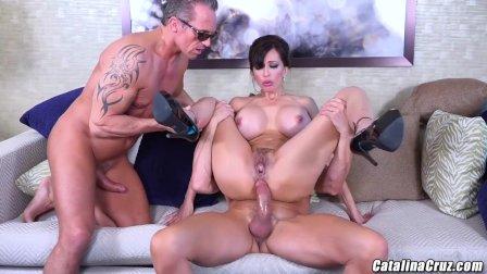 Catalina Cruz plays Melania Mounds and fucks 2 men