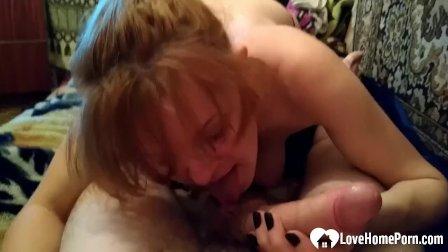Blonde hoe sucks me off with pleasure