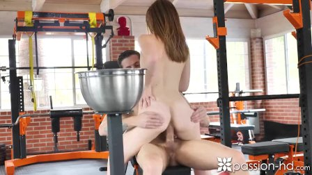 PASSION-HD Sweaty INTENSE Gym workout POUNDING