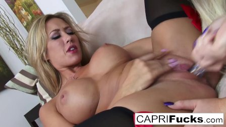 Nikki & Capri fuck each other