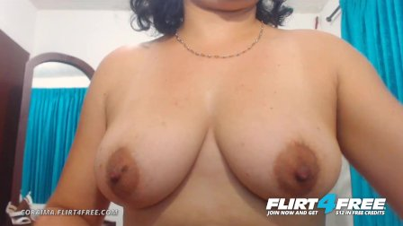 Flirt4Free - Coraima - Sexy Curvy Latina Spreads Her Big Ass for Webcam