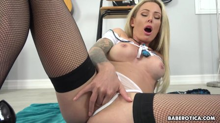 Solo babe with big boobs, Isabelle Deltore cums, in 4K