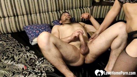 Mesmerizing girlfriend in stockings takes a pecker