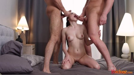 18videoz - Kiara Gold - Morning threesome session